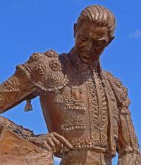 Detalle escultura Felix Colomo