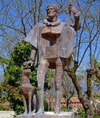 Escultura de Miguel de Fuenllana. Parque Histórico de San Sebastián.