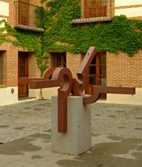 Feliciano Hernández. Escultura patio Casa de la Cultura